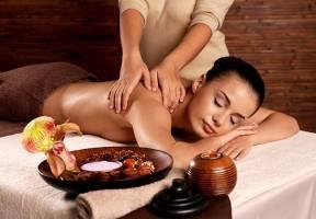 Kỹ thuật chăm sóc da body: Massage Thái