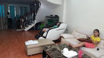 Phân biệt ghế massagetoàn thần và giường massage